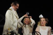Спектакли Кончаловского по двум чеховским пьесам пройдут в Лондоне | РИА Новости